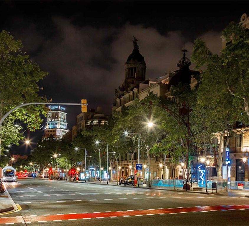 Passeig de Gràcia nit Barcelona - Alting