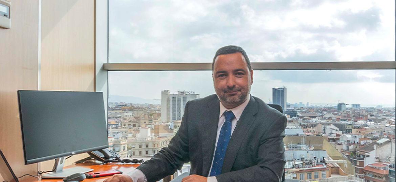 Alex Azuaza Director desarrollo de negocio