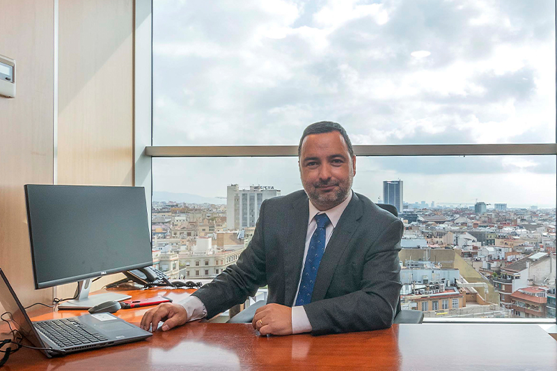 Alex Azuaza Director de desarrollo de negocio
